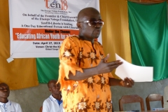 Mr.-S.-Emmanuel-Dolo-Chairman-of-Tarr-Town-community-thanking-The-Ebenga-Nzinga-Foundation-for-hosting-the-event-in-his-community-where-the-majority-of-people-are-less-fortunate